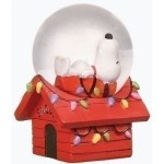 Charles Schulz's Peanuts Snoopy Snow Globe